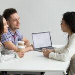 couple-talking-for-loan
